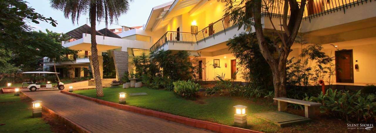 Deluxe rooms with balcony - deluxe rooms near Mysore - Silent Shores, best resort in mysore