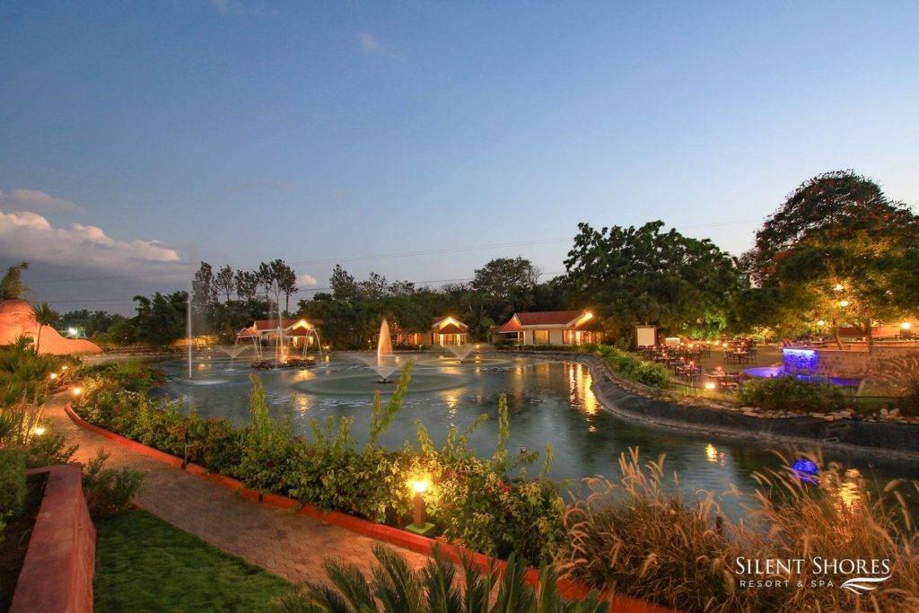 Deluxe rooms, suites & cottages in Mysore - Silent Shores resort & spa - the best 5 star resort in mysore